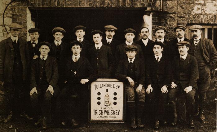 Photo d'époque de l'équipe Tullamore Dew