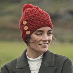 Bonnet Rouge Pompon Avec 3 Boutons Aran Woolen Mills