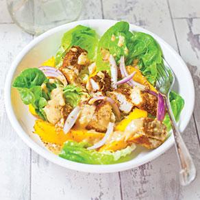 Salade de poulet épicé, mangue et gingembre